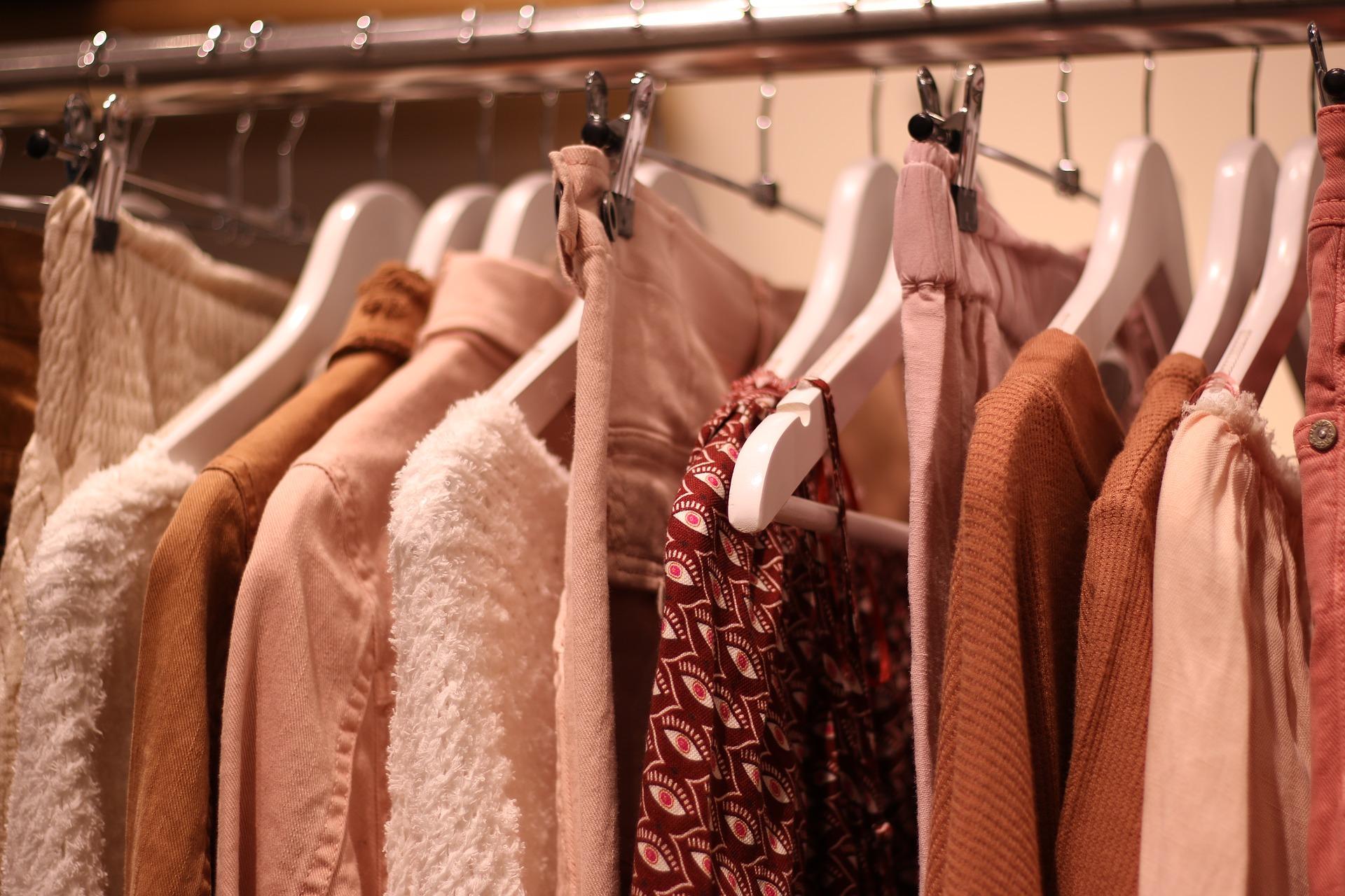 clothes 3987460 1920