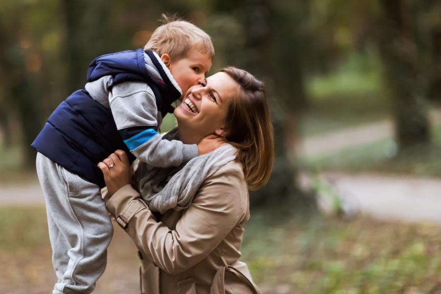 szczęśliwa mama i dziecko